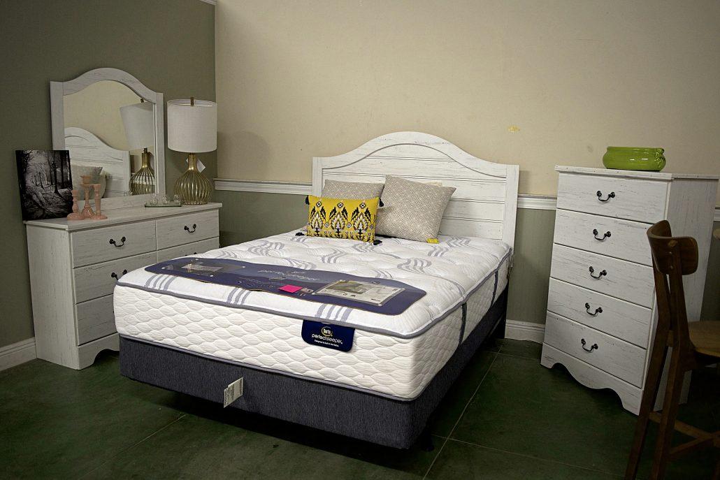 Bedroom Lott Furniture Co Downtown Laurel Ms